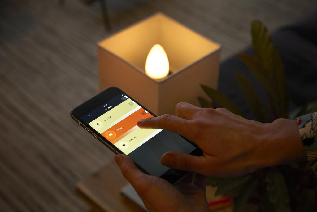 Hue Lampen E14 : Long waited out today the philips hue e candle lamp