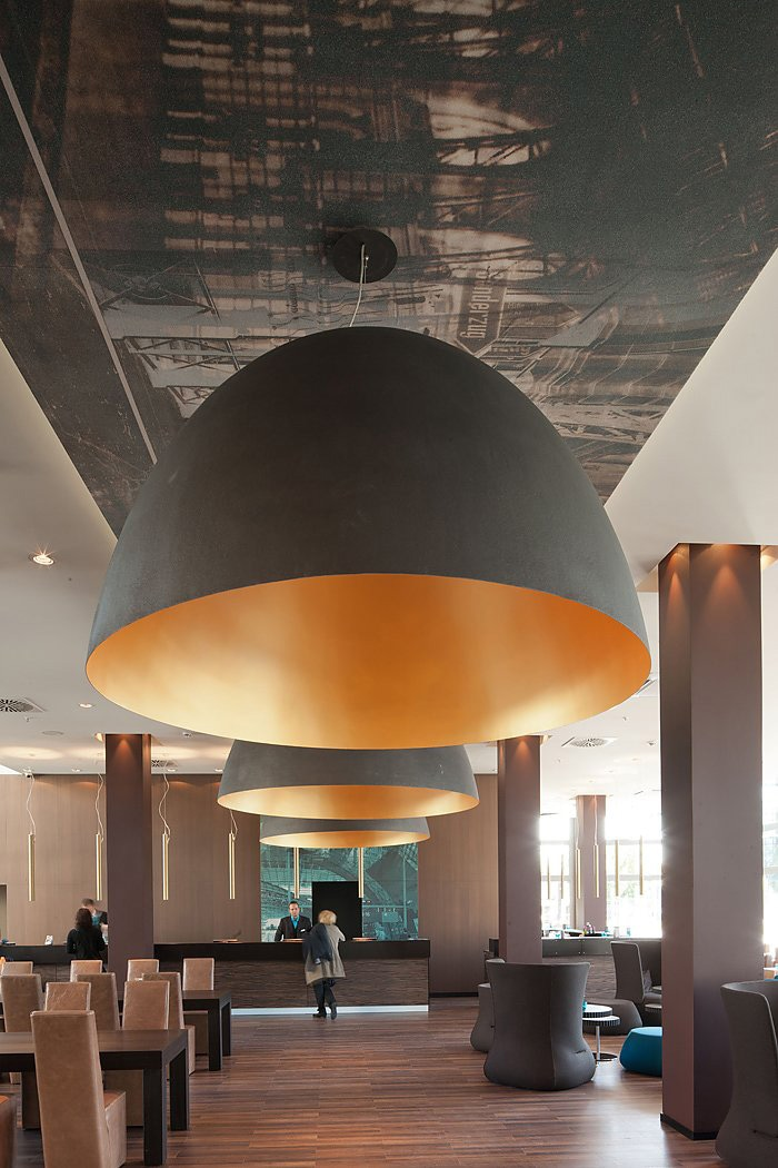 Oversized lampen als design statement dmlights blog for Motel one lampen