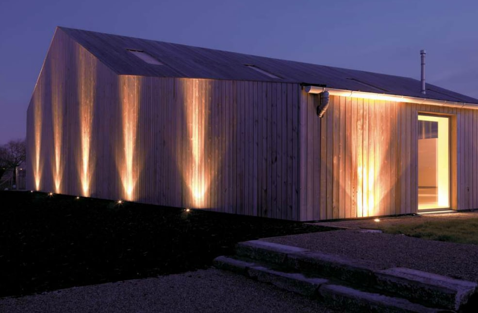 Quoi faut il faire attention pour clairer un mur for Eclairage exterieur maison led