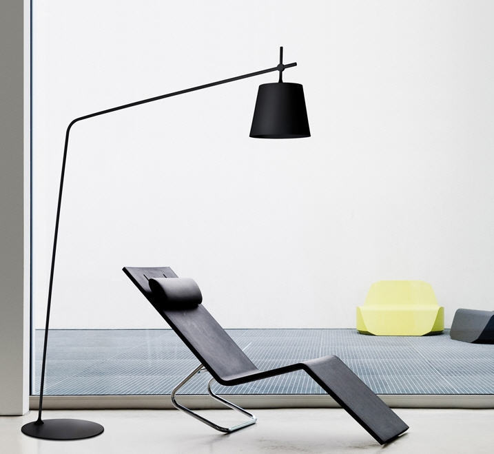 8 gracieuze design booglampen dmlights blog for Lampade da parete design economiche